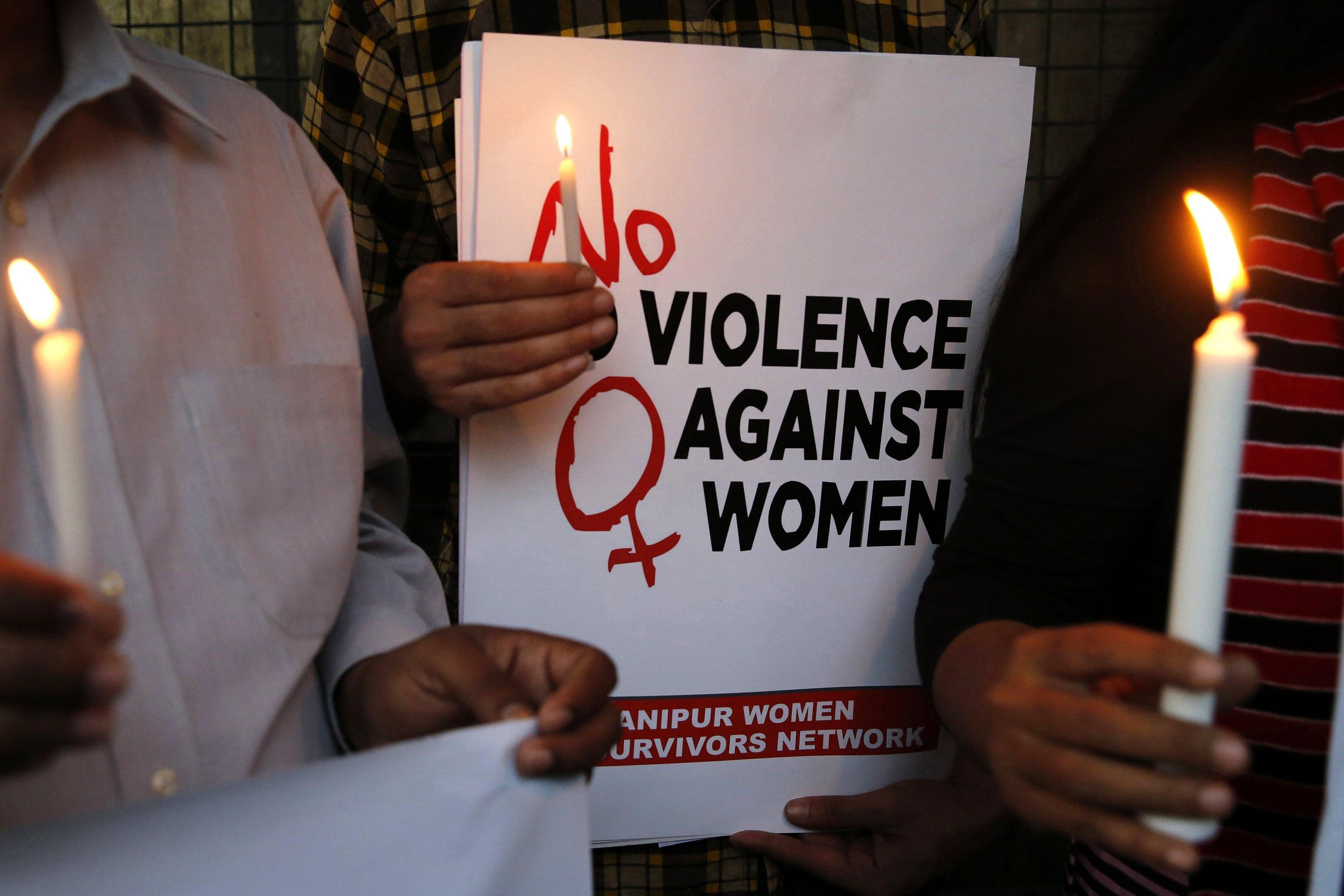 Stuprata e messa incinta a 10 anni, fermato il patrigno: indignazione in India