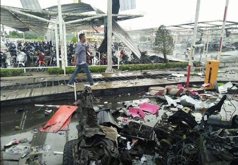 Thailandia, doppia esplosione in centro commerciale: decine di feriti