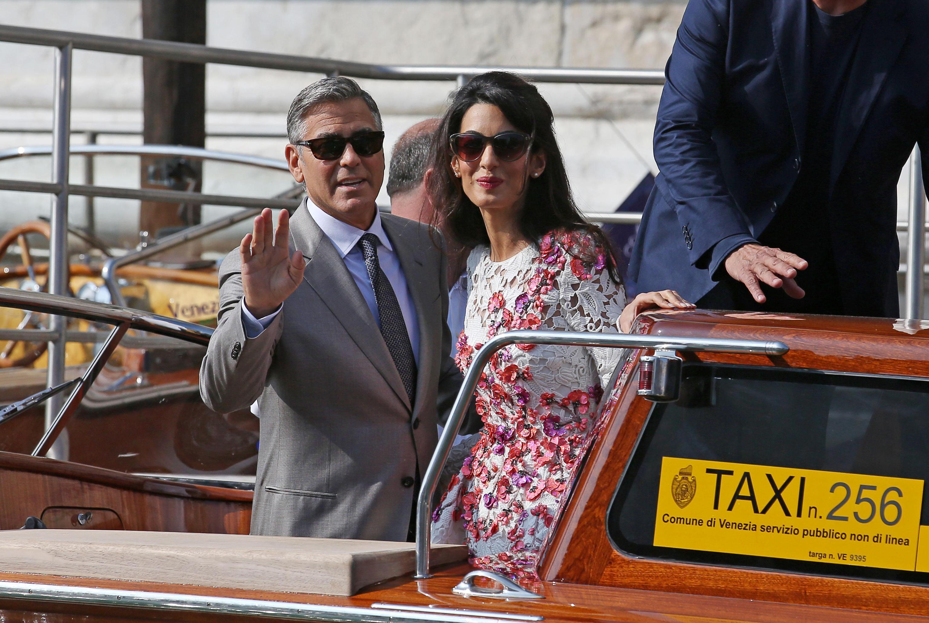 George Clooney papà, Amal Alamuddin mamma: nati i due gemelli