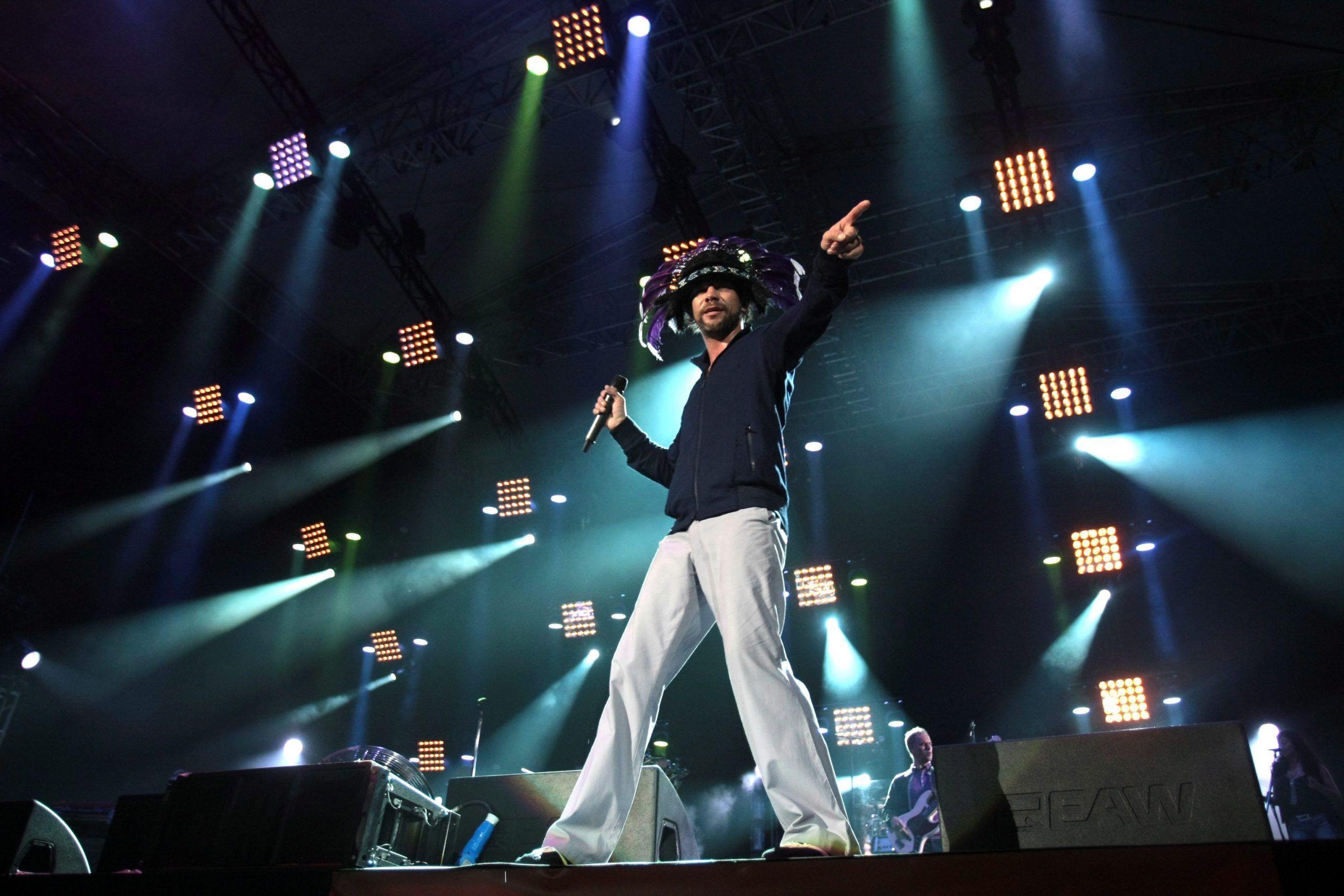 Jamiroquai, stop ai concerti estivi: Jay Kay operato alla schiena
