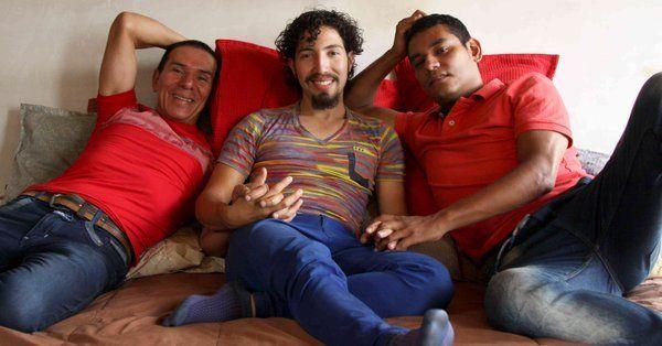 Colombia, celebrato matrimonio tra tre uomini