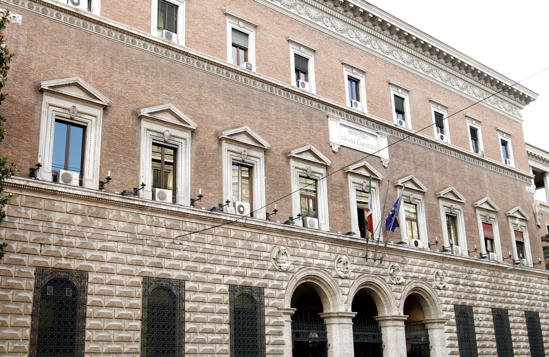 Ministero della Giustizia non paga 1300 tirocinanti che hanno sgobbato nei tribunali di tutta Italia