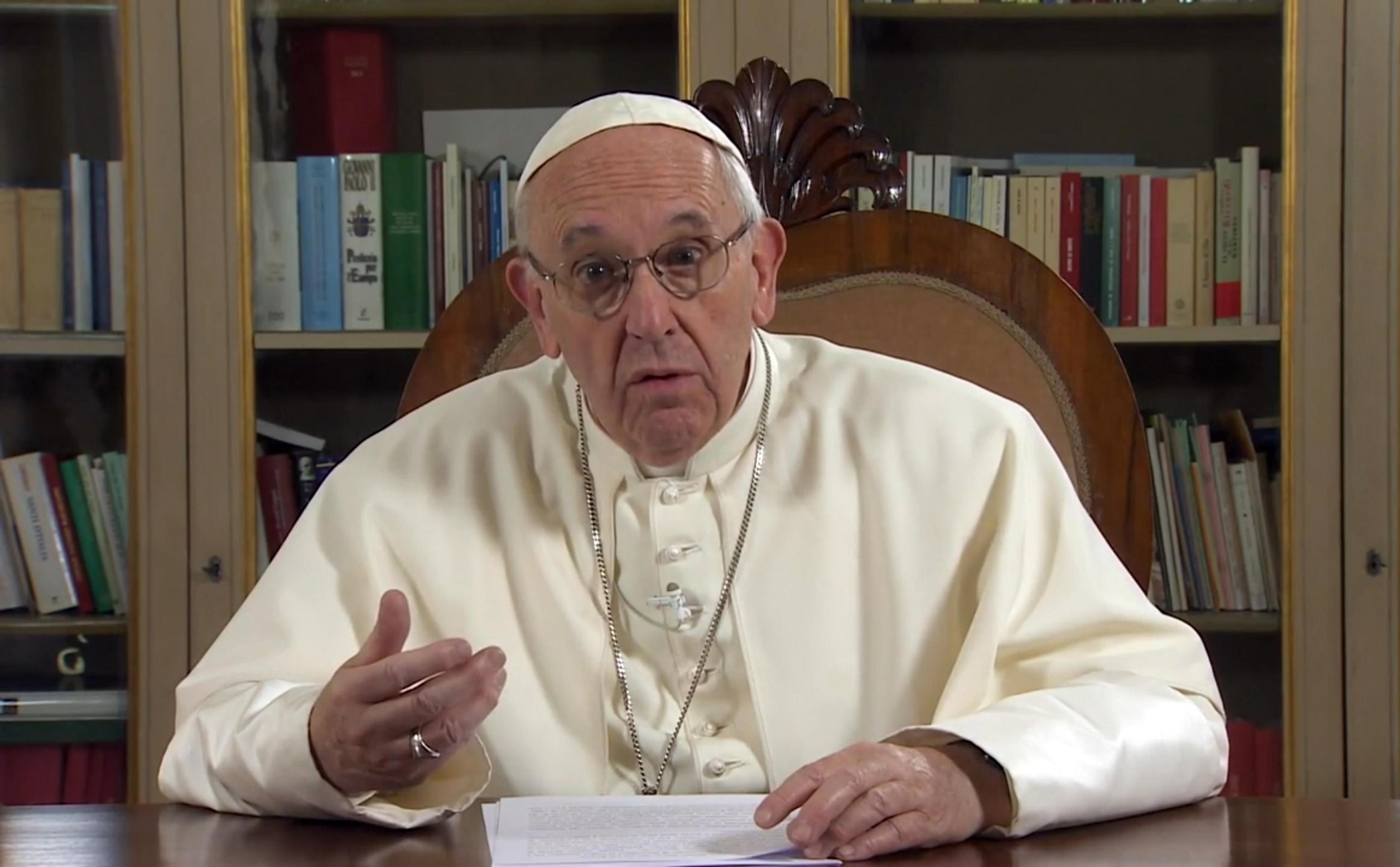 Papa Francesco confessa di aver fatto psicoterapia