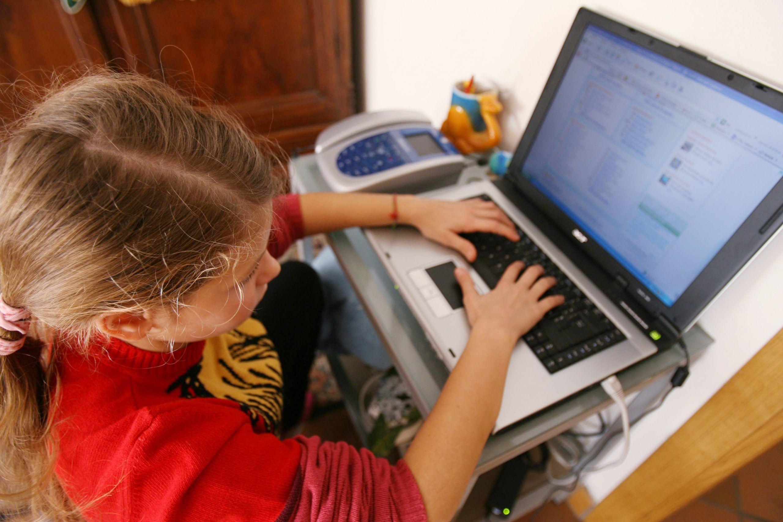 bambini tecnologia