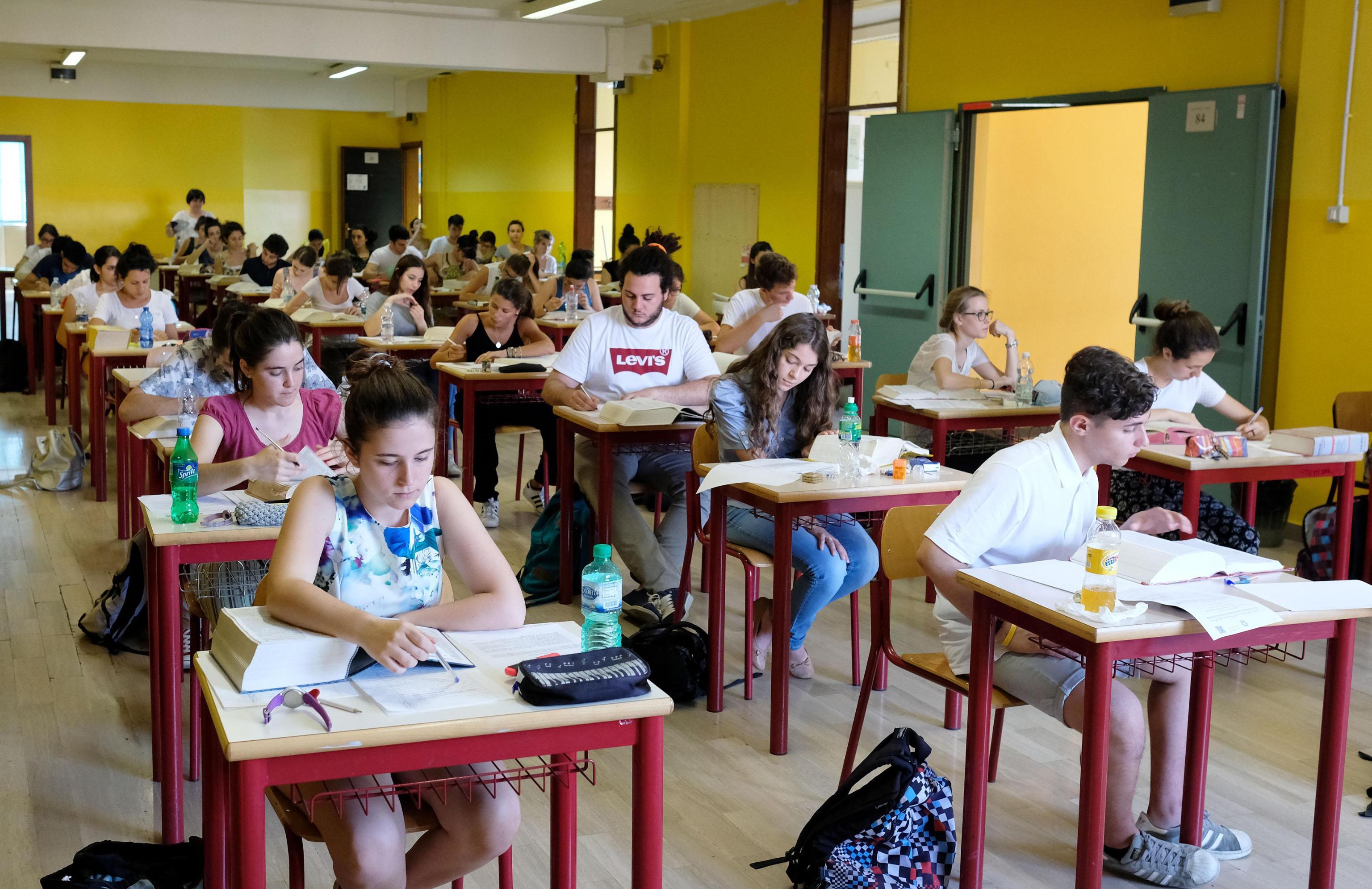 Esame di maturità di matematica da rifare per 61 studenti