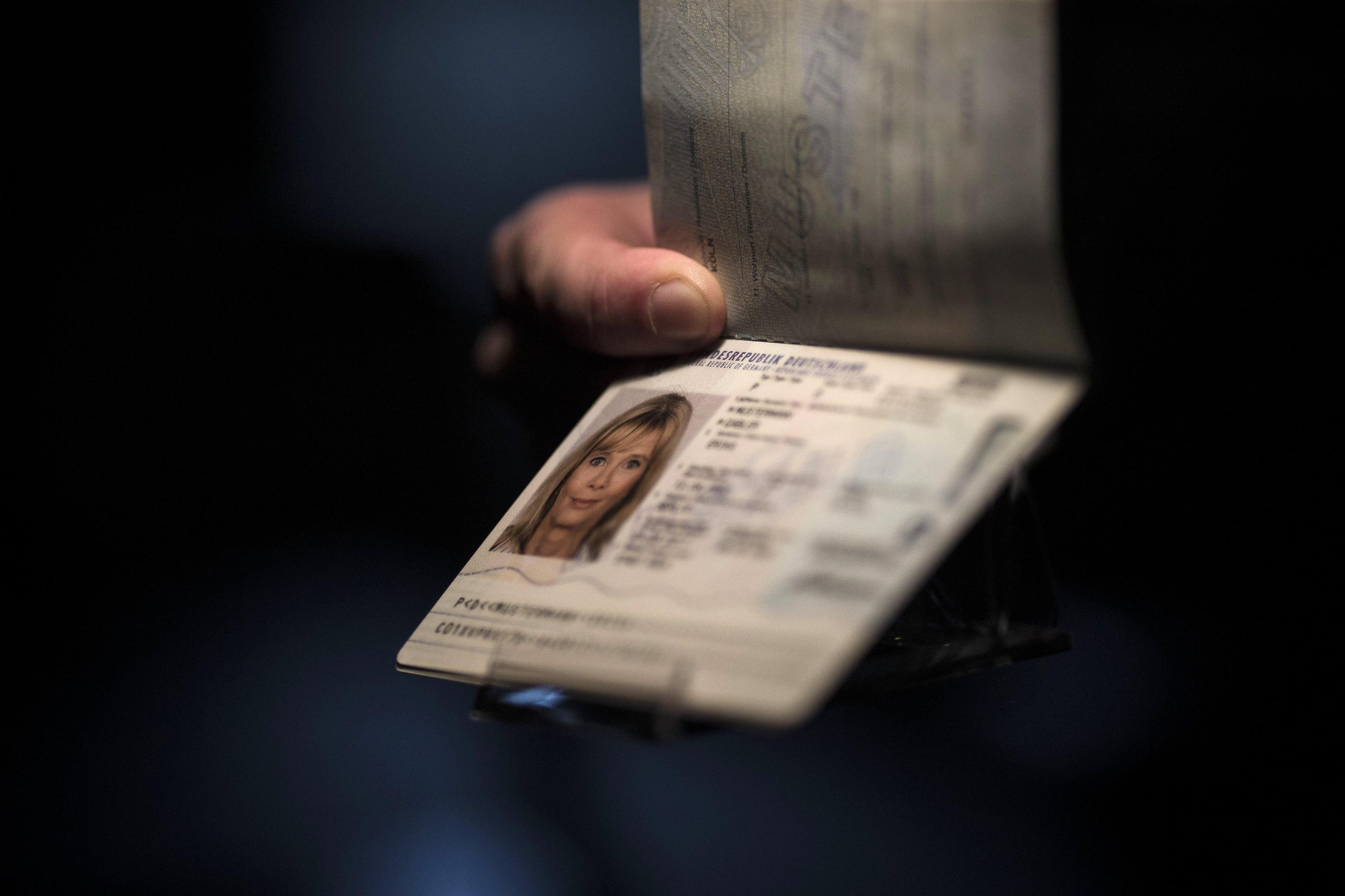 Foto passaporto: dimensioni e caratteristiche della fototessera adatta per il passaporto elettronico