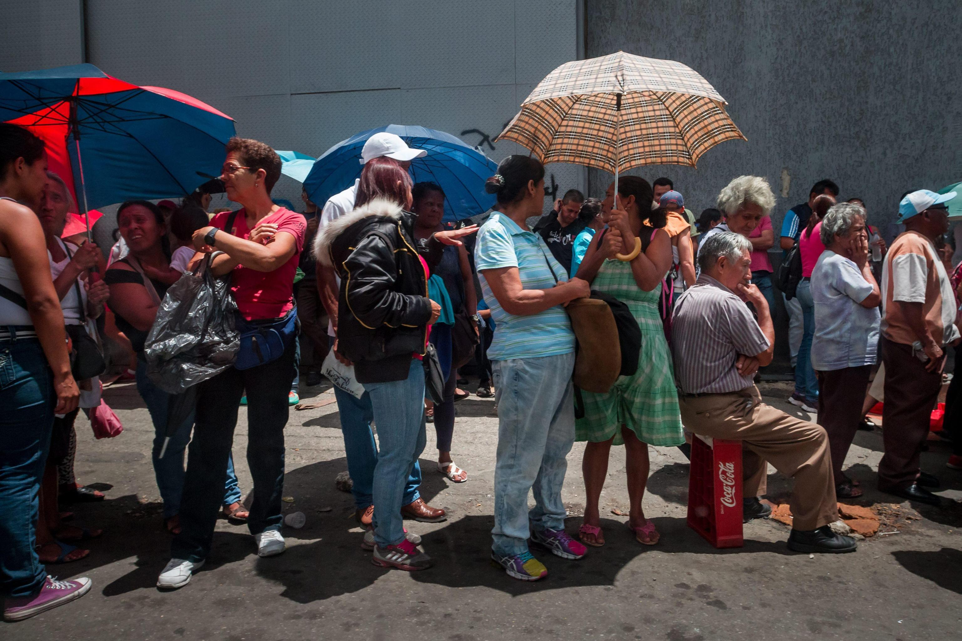 Venezuelans protest on the streets asking for food in Caracas