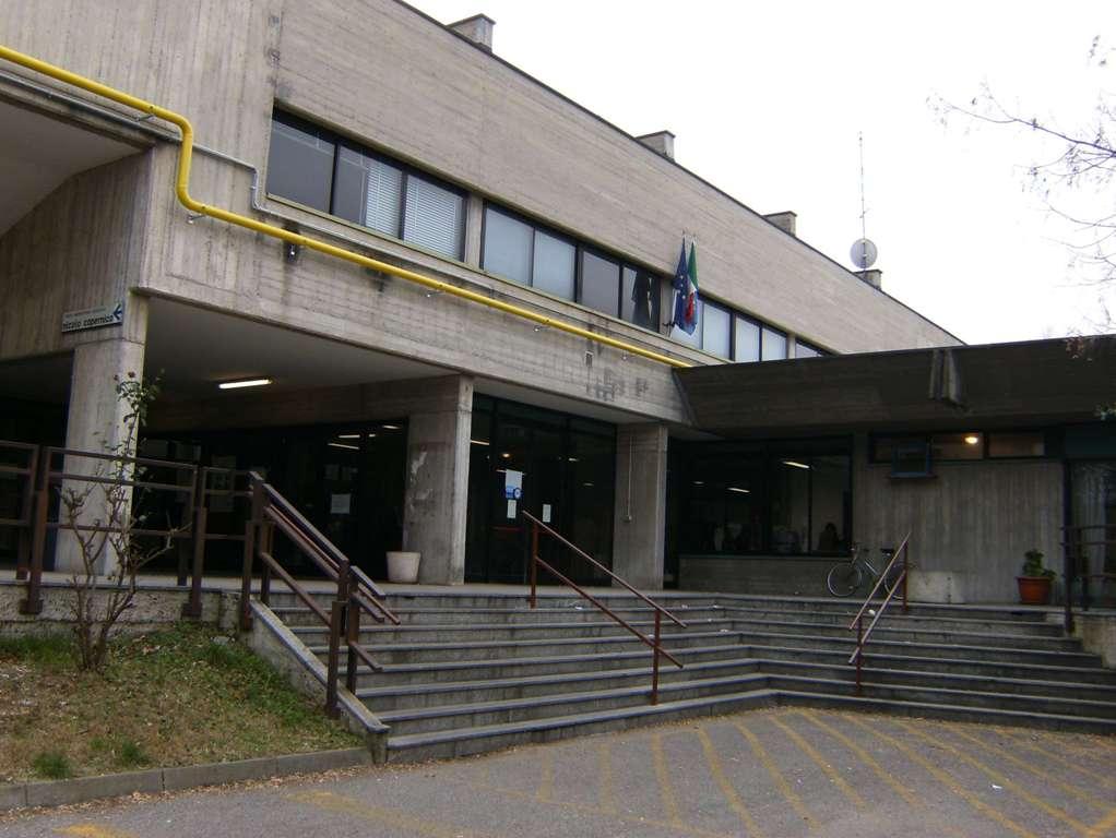 Assalto liceo Pavia, individuati i responsabili: «Saranno puniti»