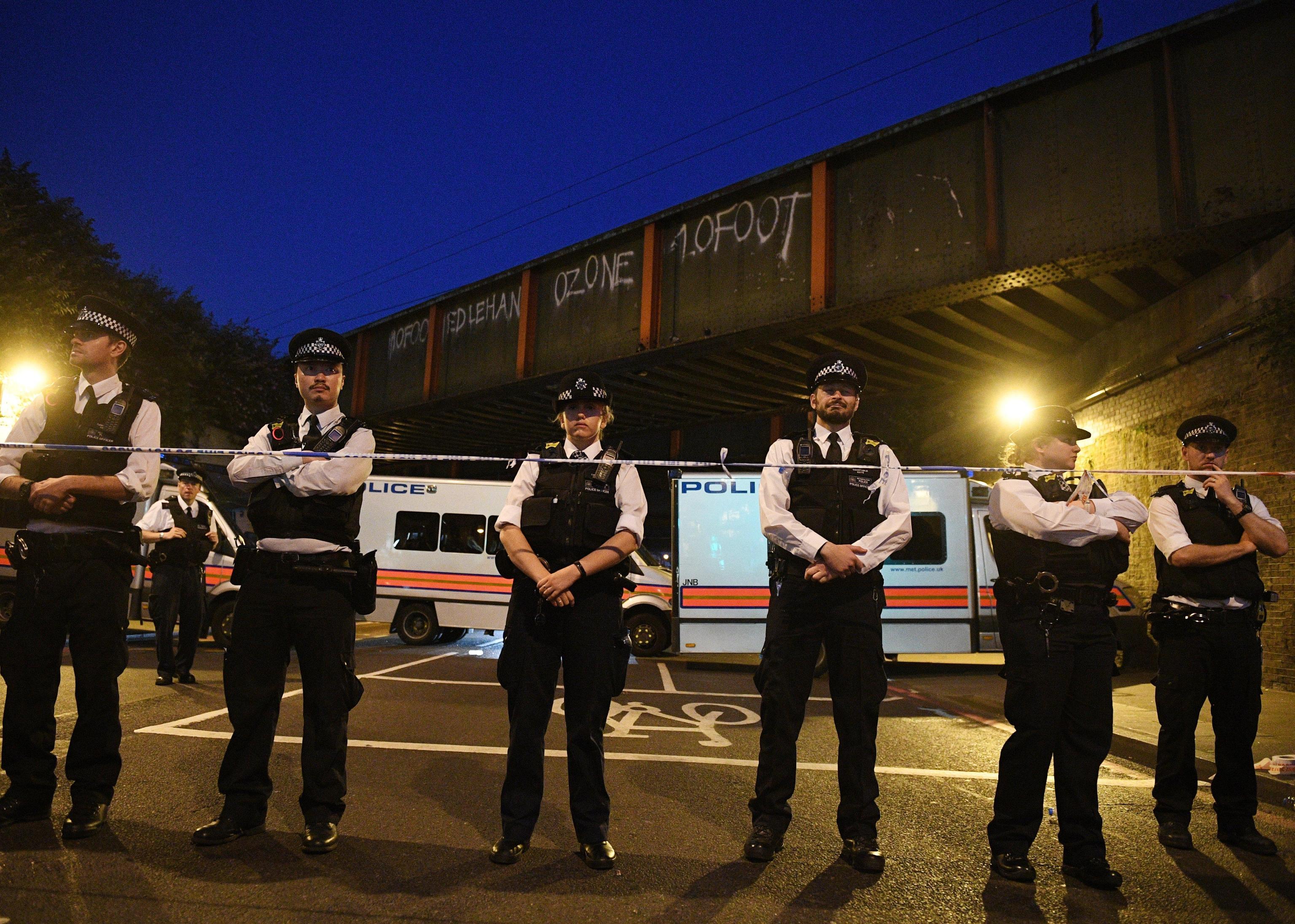 Londra, attacco fuori dalla moschea