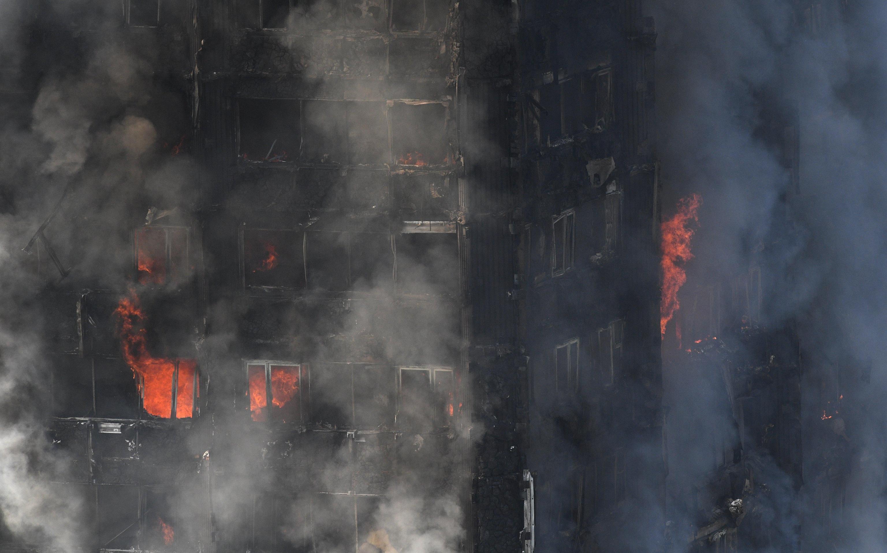 Incendio grattacielo Londra: «Colpa di un frigo, mesi per riconoscere i corpi»