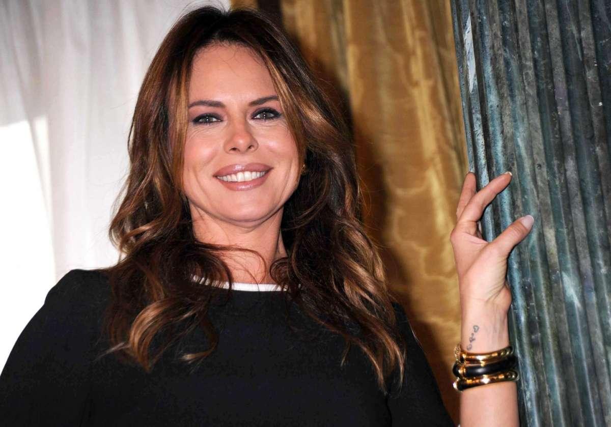 Paola Perego dopo la chiusura di Parliamone Sabato: 'Torno in tv grazie a mio marito'