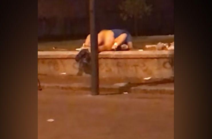 Coppia fa sesso a due passi dalla Reggia di Caserta, video spopola in rete