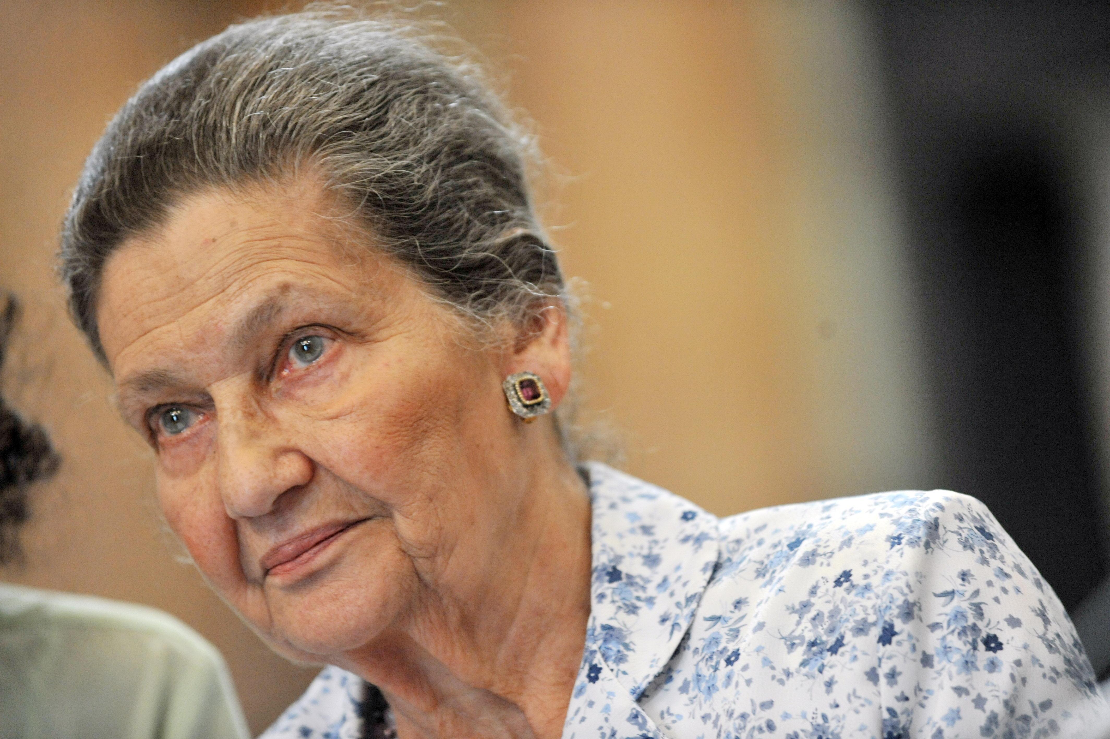 Morta Simone Veil: fu la prima presidente del Parlamento europeo
