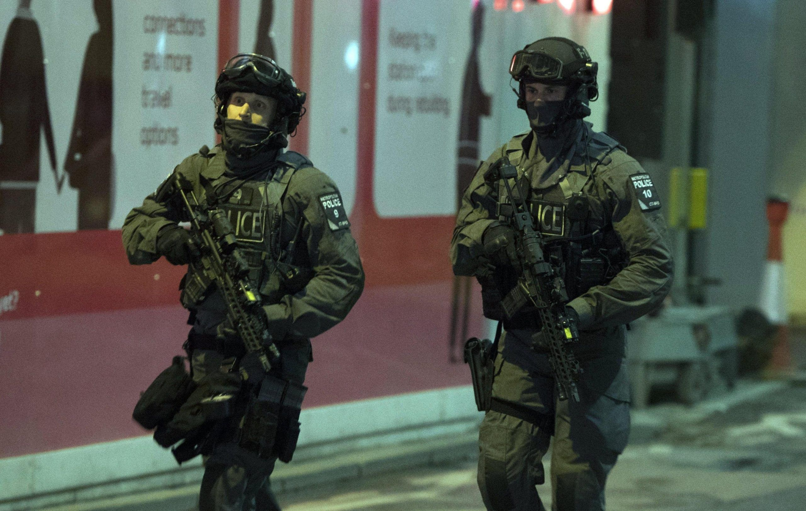 Reports of a van hitting pedestrials at London Bridge