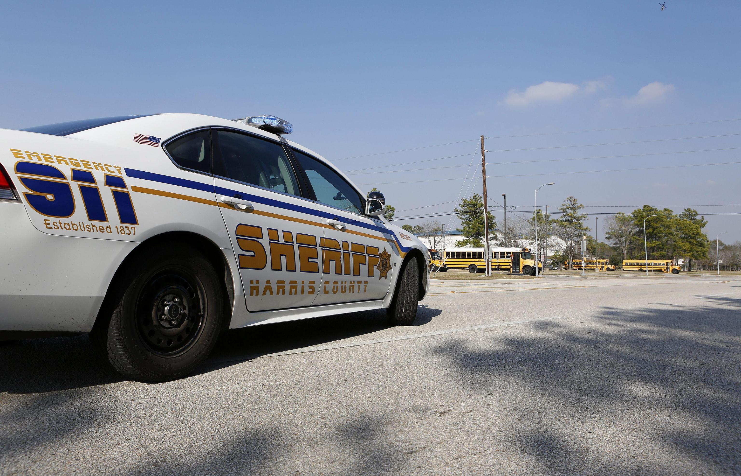 Bimbo morto in auto, tragedia in Texas: il padre lo dimentica in macchina per 10 ore