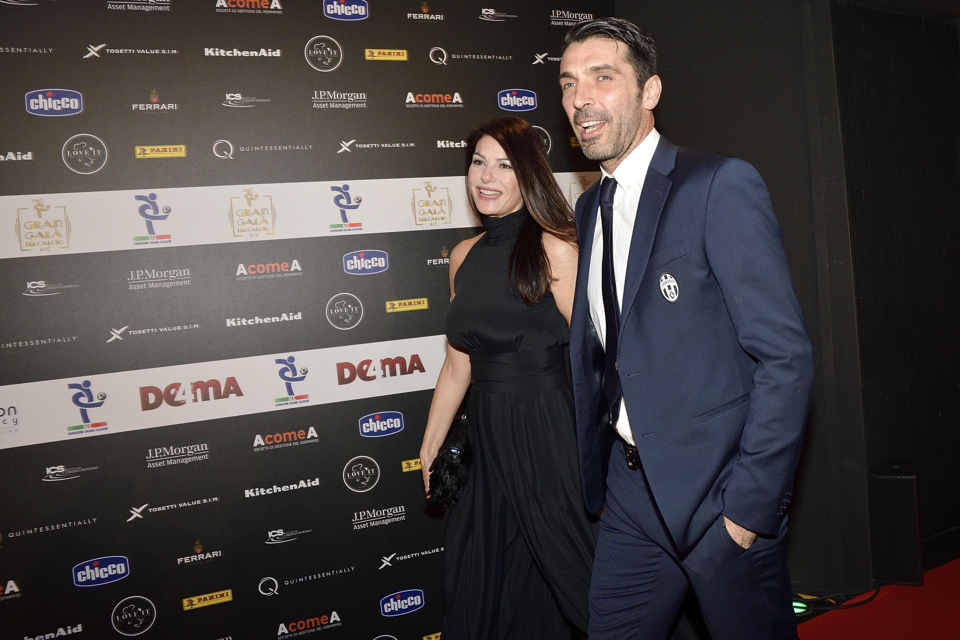Ilaria D'Amico e Gigi Buffon diffidano Libero per la didascalia di una foto