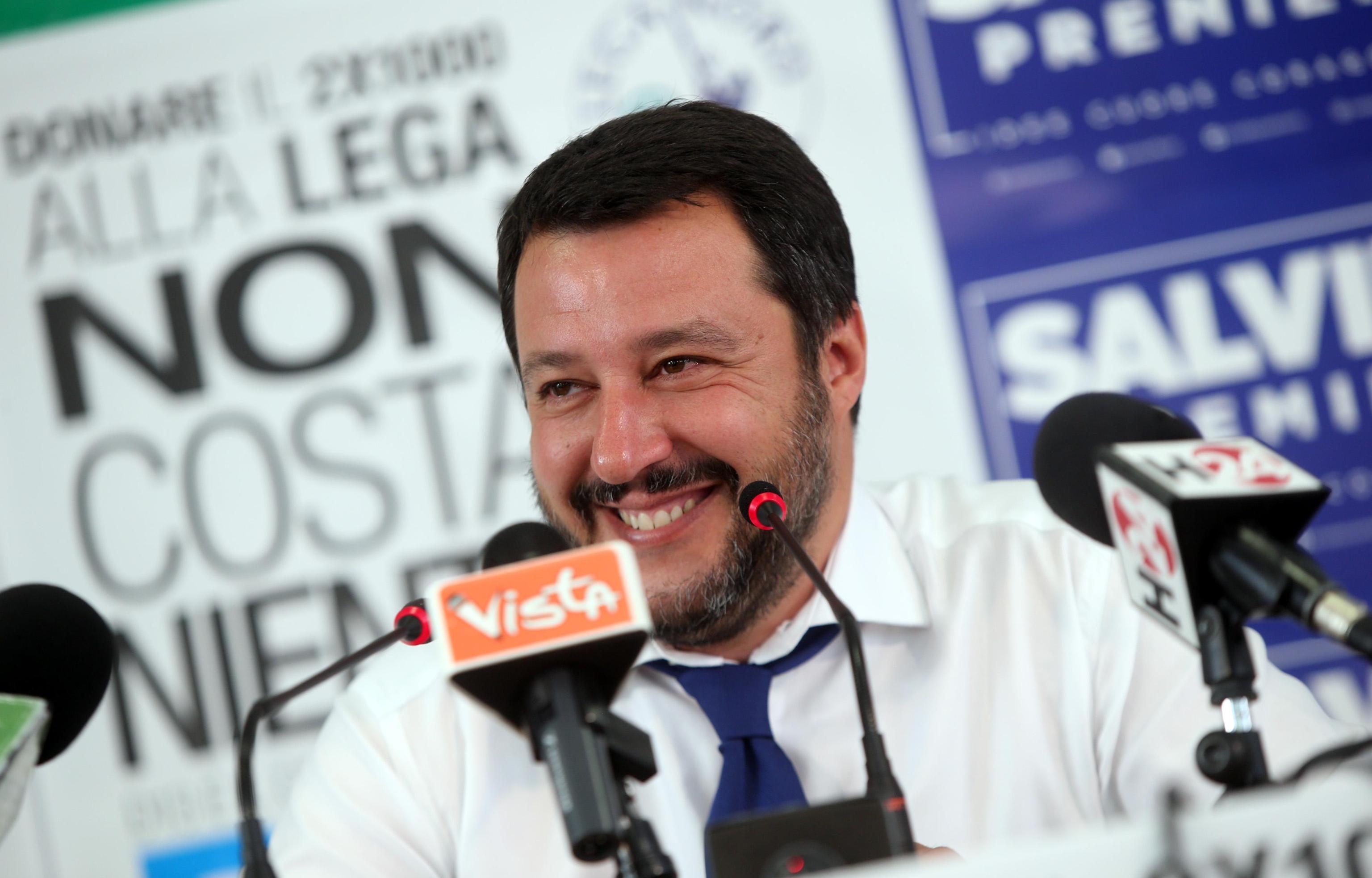 Matteo Salvini tradito da Elisa Isoardi? Il leader della Lega si consola con…