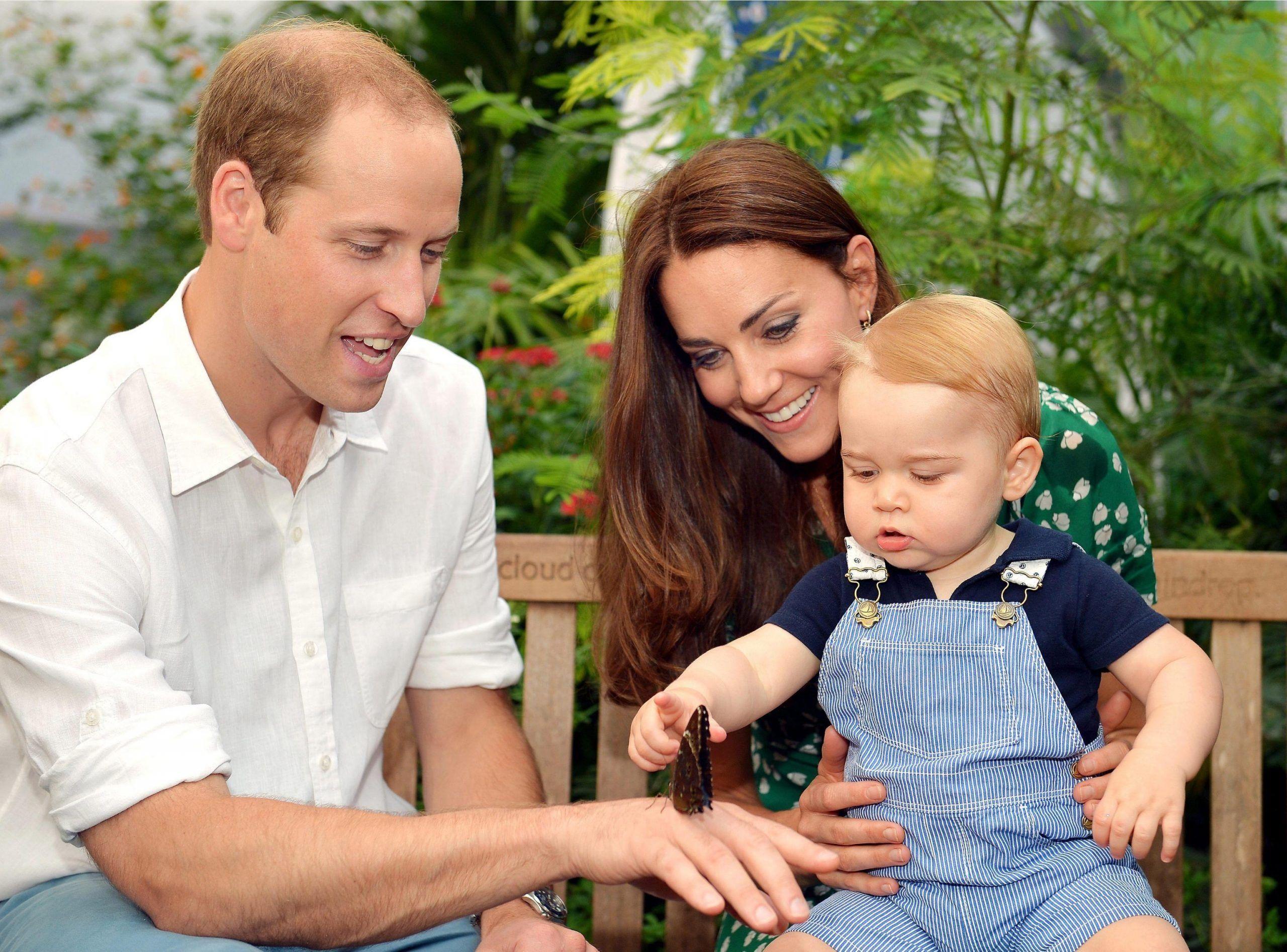 George e Charlotte d'Inghilterra sono troppo vivaci, arriva la super-tata