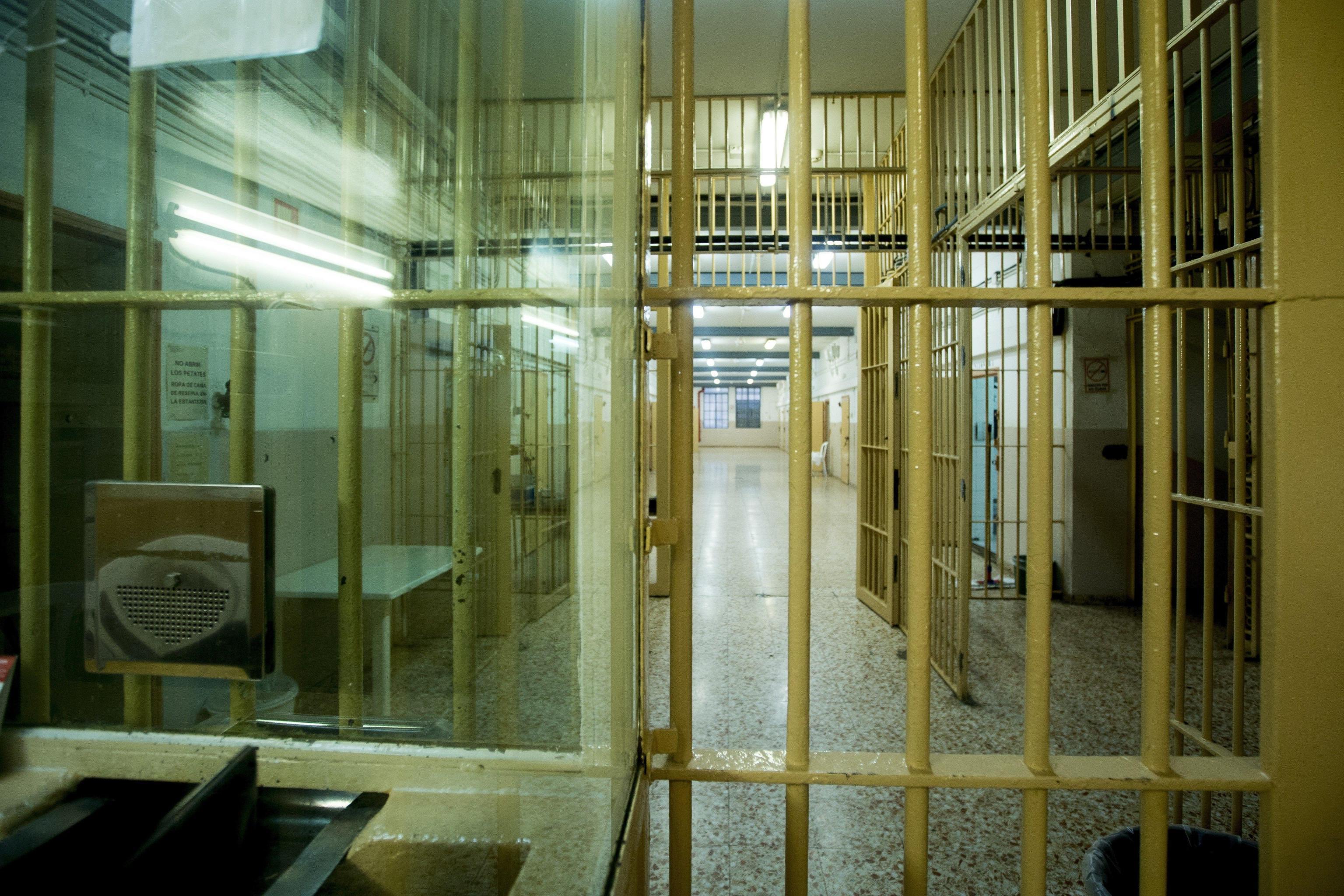 Evasi tre detenuti dal carcere di Barcellona Pozzo di Gotto