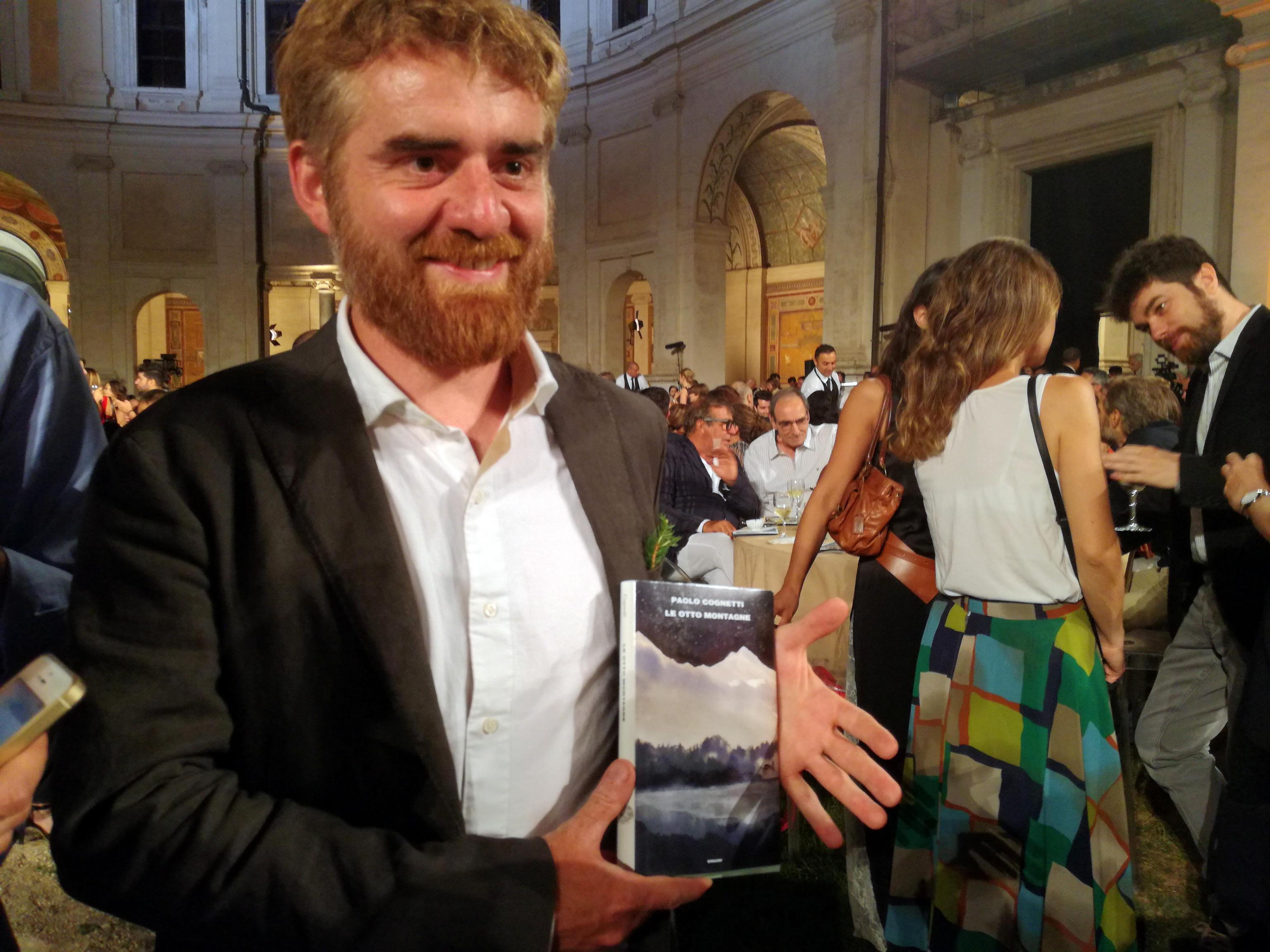 Paolo Cognetti: i libri dello scrittore che ha vinto il Premio Strega, da Le otto montagne a Sofia si veste sempre di nero