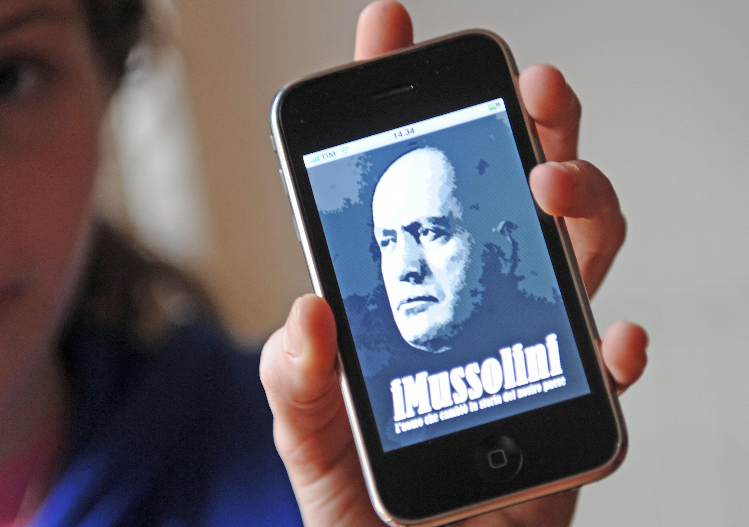 Legge sulla propaganda di fascismo, il M5S dice no: è scontro col PD