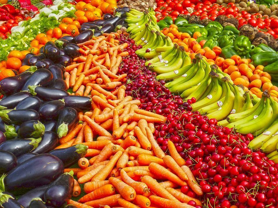 Mangiare frutta e verdura di stagione: vantaggi e benefici