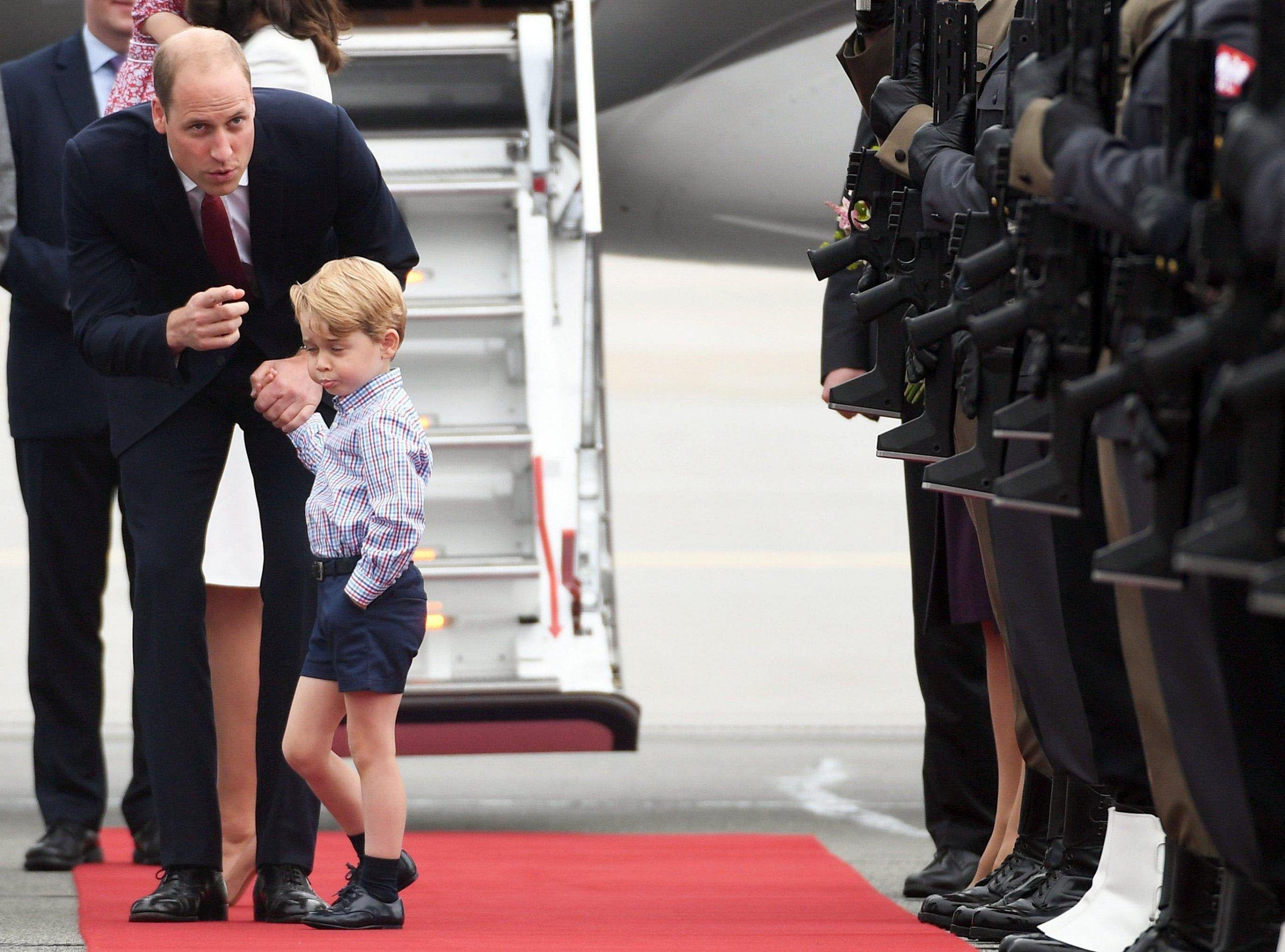 George di Cambridge fa i capricci e papà William deve rimproverarlo