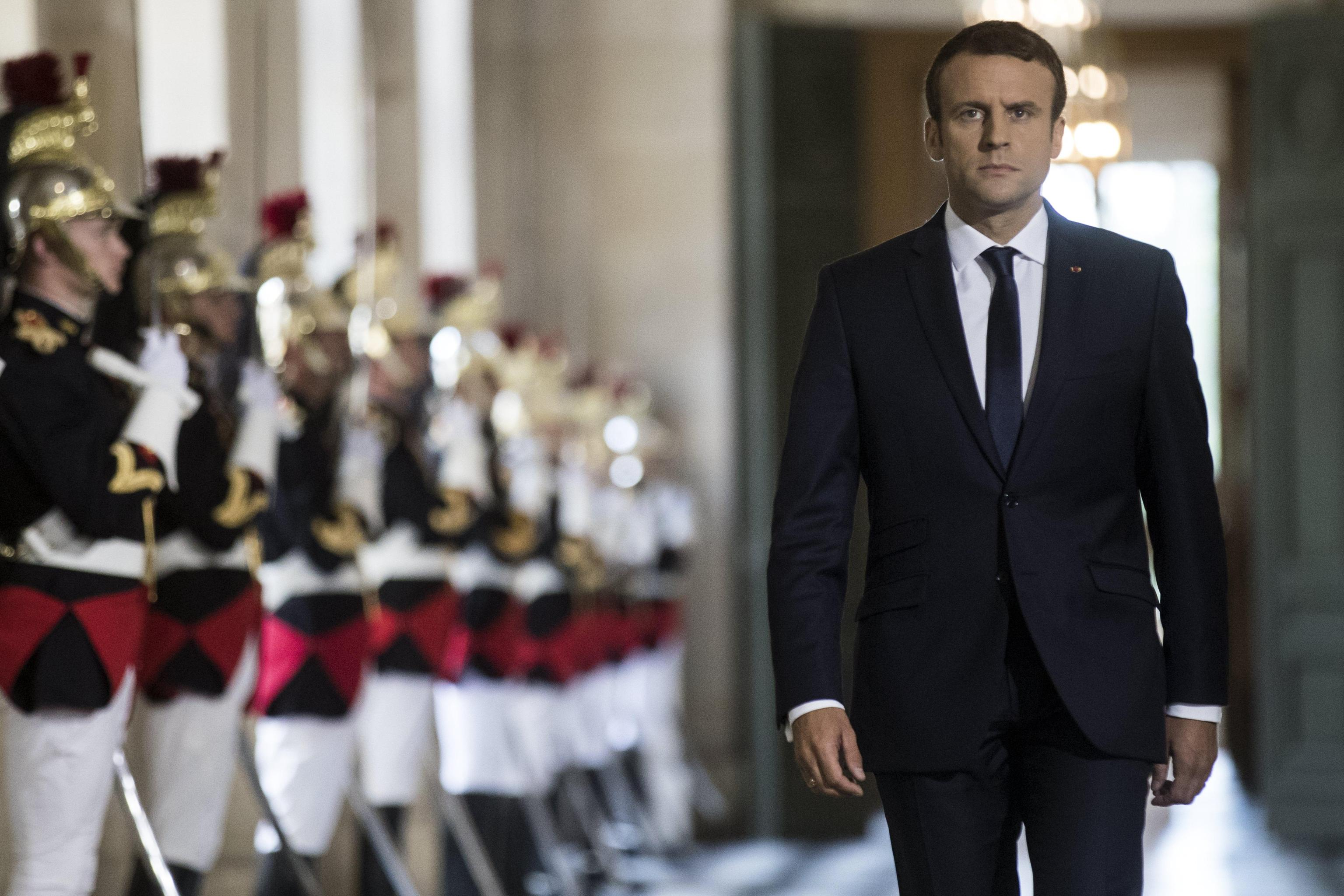 French President gathers French parliamentarians in Versailles