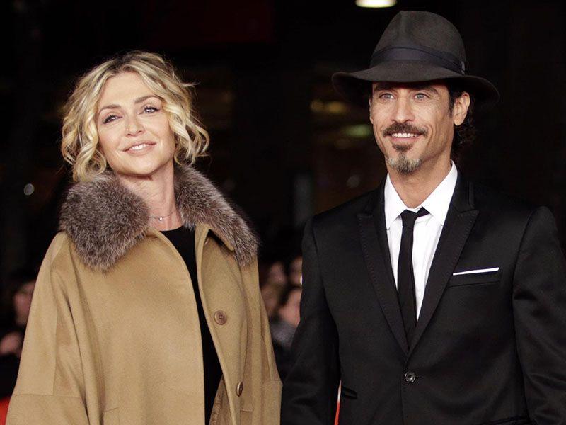 Paola Barale con Raz Degan a Ibiza: la coppia sempre più vicina