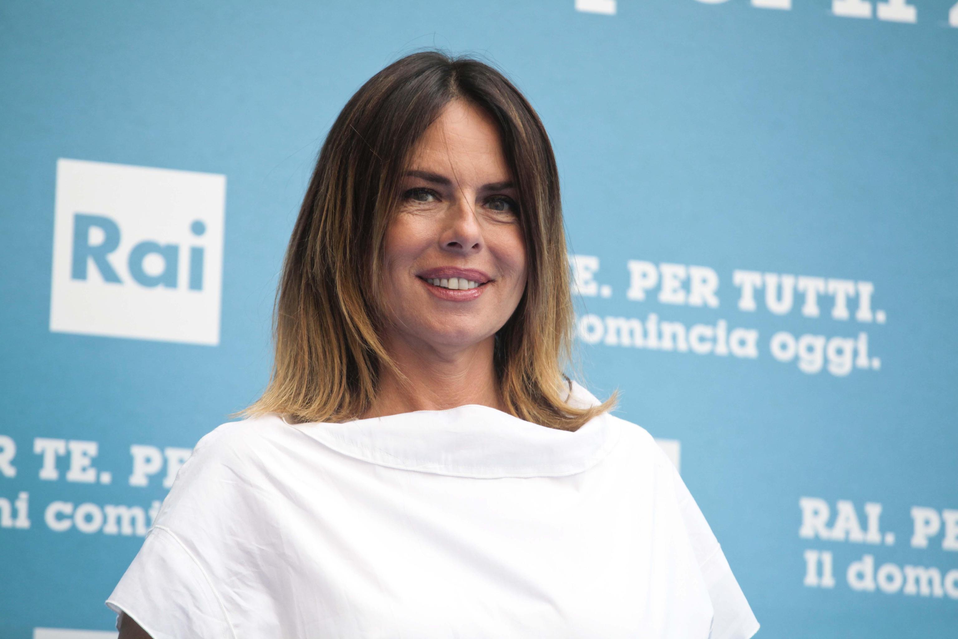 Paola Perego senza veli a Formentera con il marito Lucio Presta