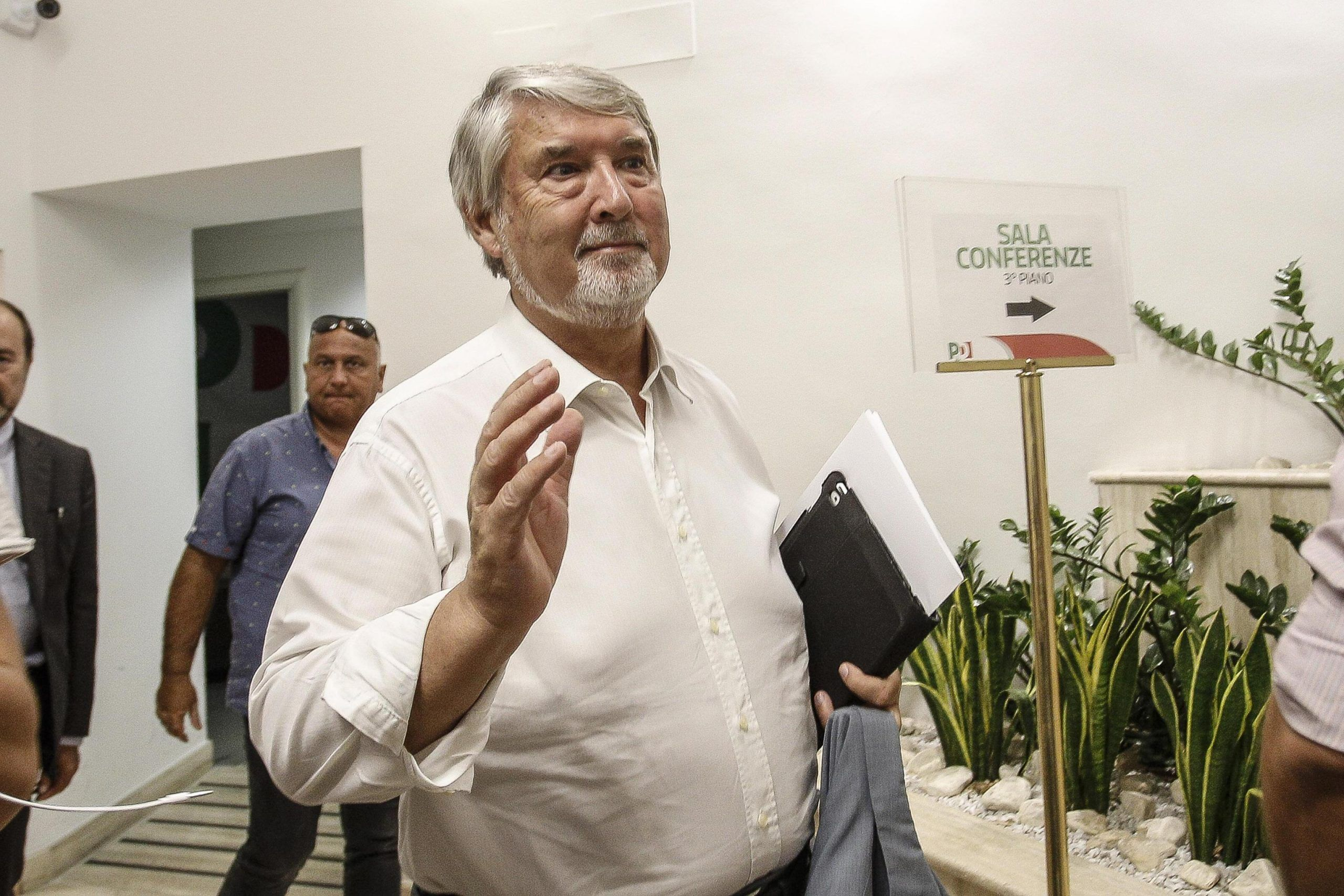 Pensioni news Ape Social, Poletti chiama i sindacati per un faccia a faccia il 27 luglio