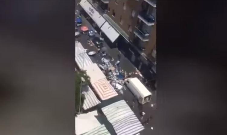 Catania, rissa tra italiani e africani alla fiera: ambulante tenta di investire i rivali con un furgone