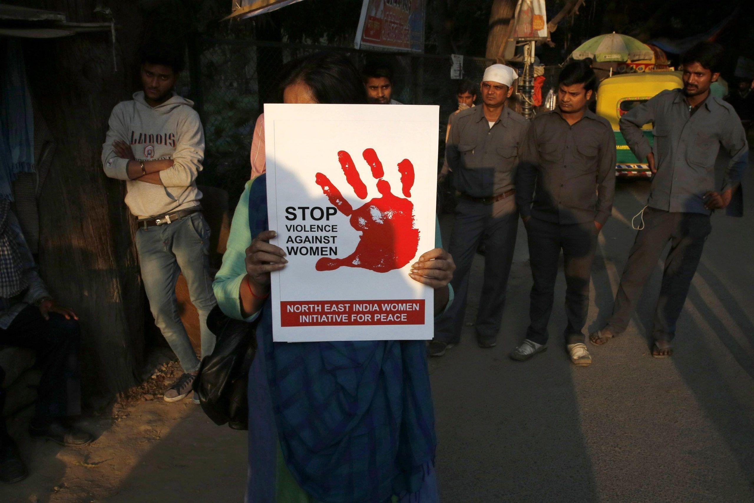 Bimba di 10 anni stuprata dallo zio: resta incinta ma non può abortire