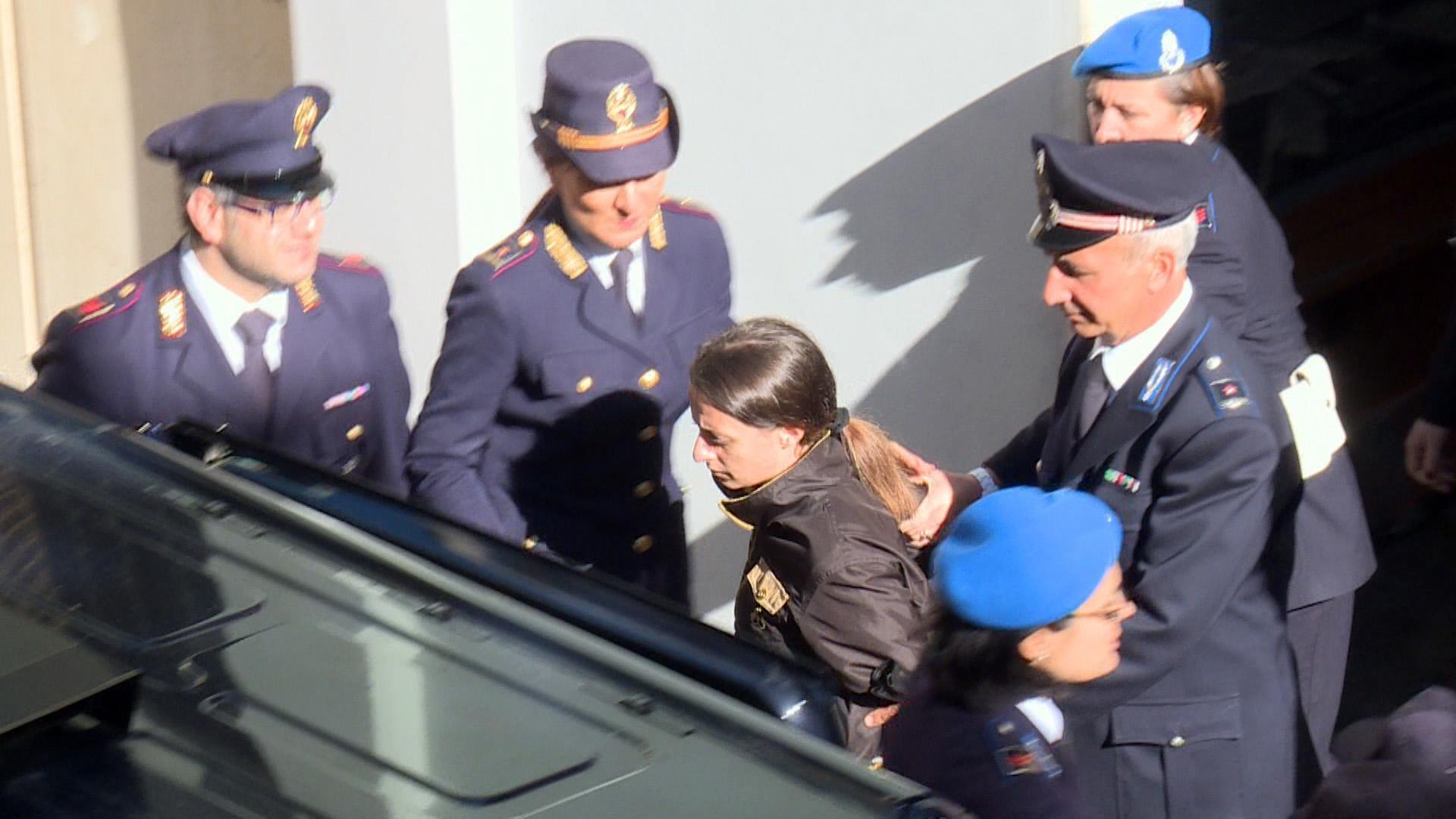 Loris Stival, Veronica Panarello si difende dal carcere: 'L'ha ucciso mio suocero'