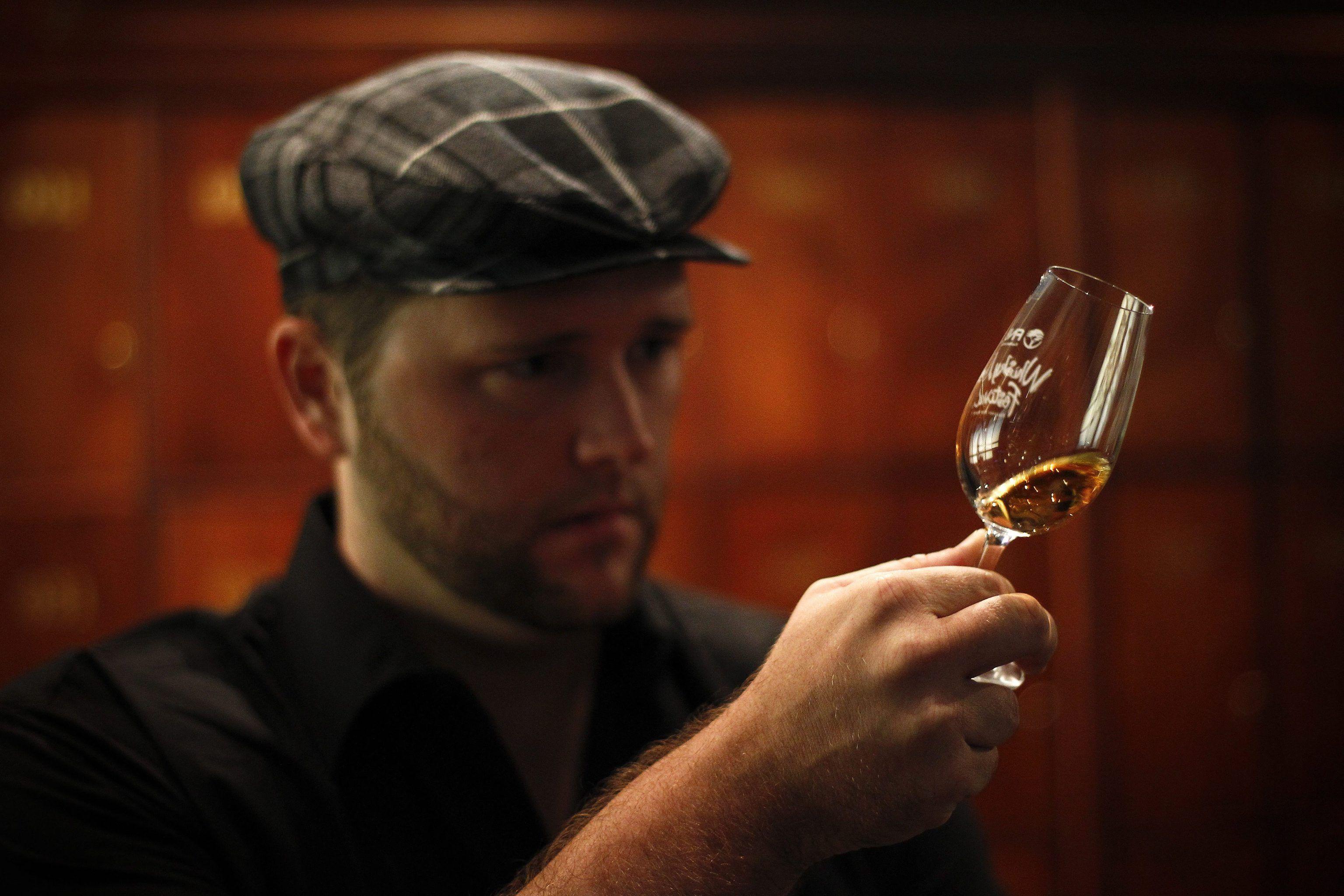 Pagati per viaggiare e bere whisky: l'incredibile offerta di Grant's
