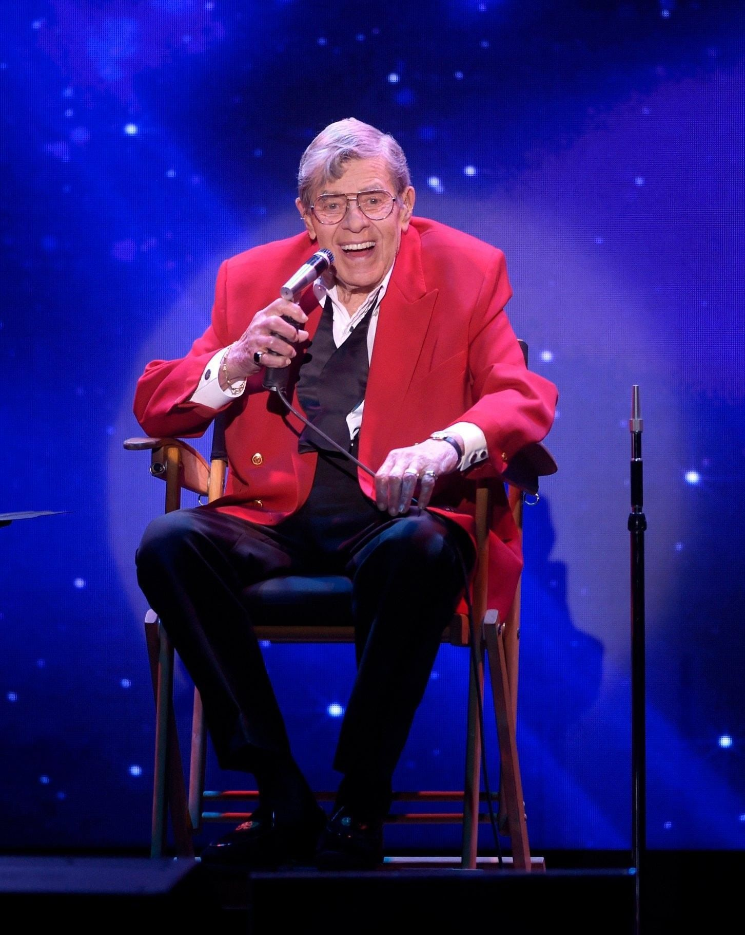 Comedian and actor Jerry Lewis dies at 91