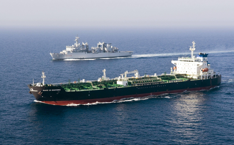 Libia, il generale Haftar: 'Bombarderemo navi italiane'