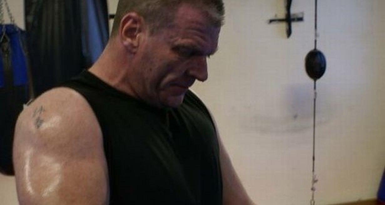 Bodybuilder scopre di essere affetto da Sla, la sua reazione è incredibile