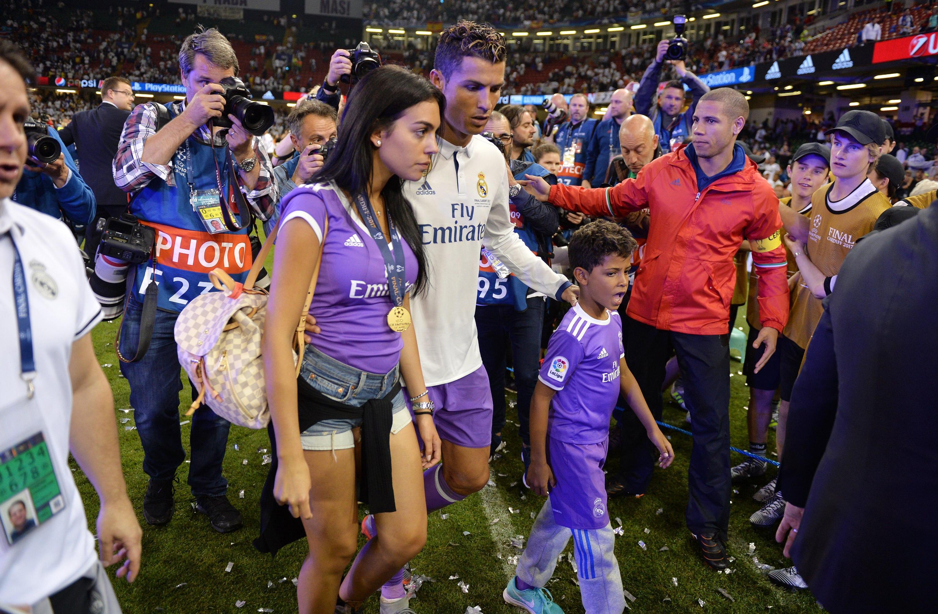 Georgina Rodriguez incinta: la fidanzata di Ronaldo aspetta una bambina