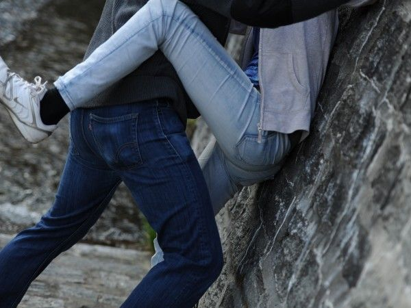 Arancia Meccanica in Valtellina: 18enne umiliato, picchiato e seviziato da coppia