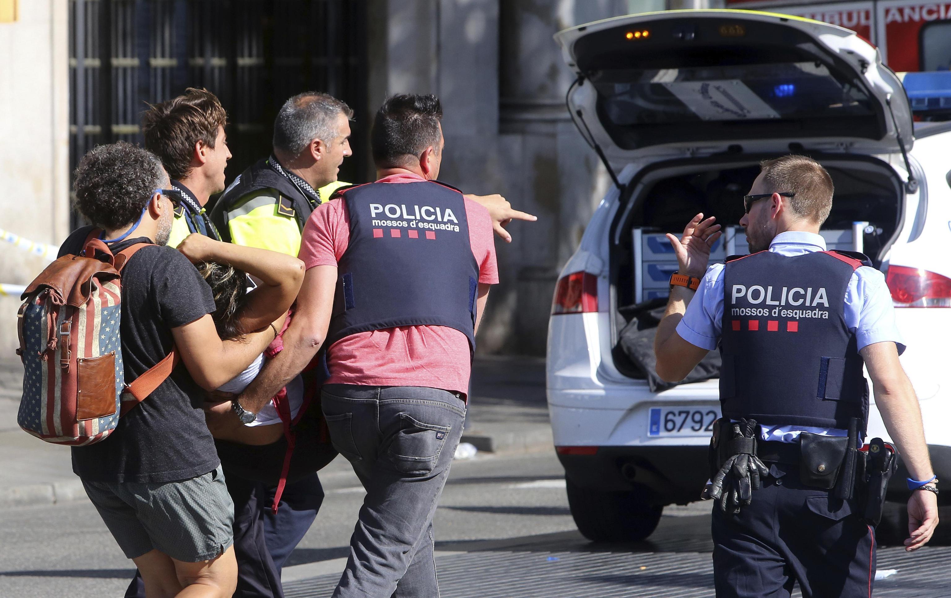 Dopo l'attentato a Barcellona, sventato attacco a Cambrils: 5 terroristi uccisi e 7 feriti