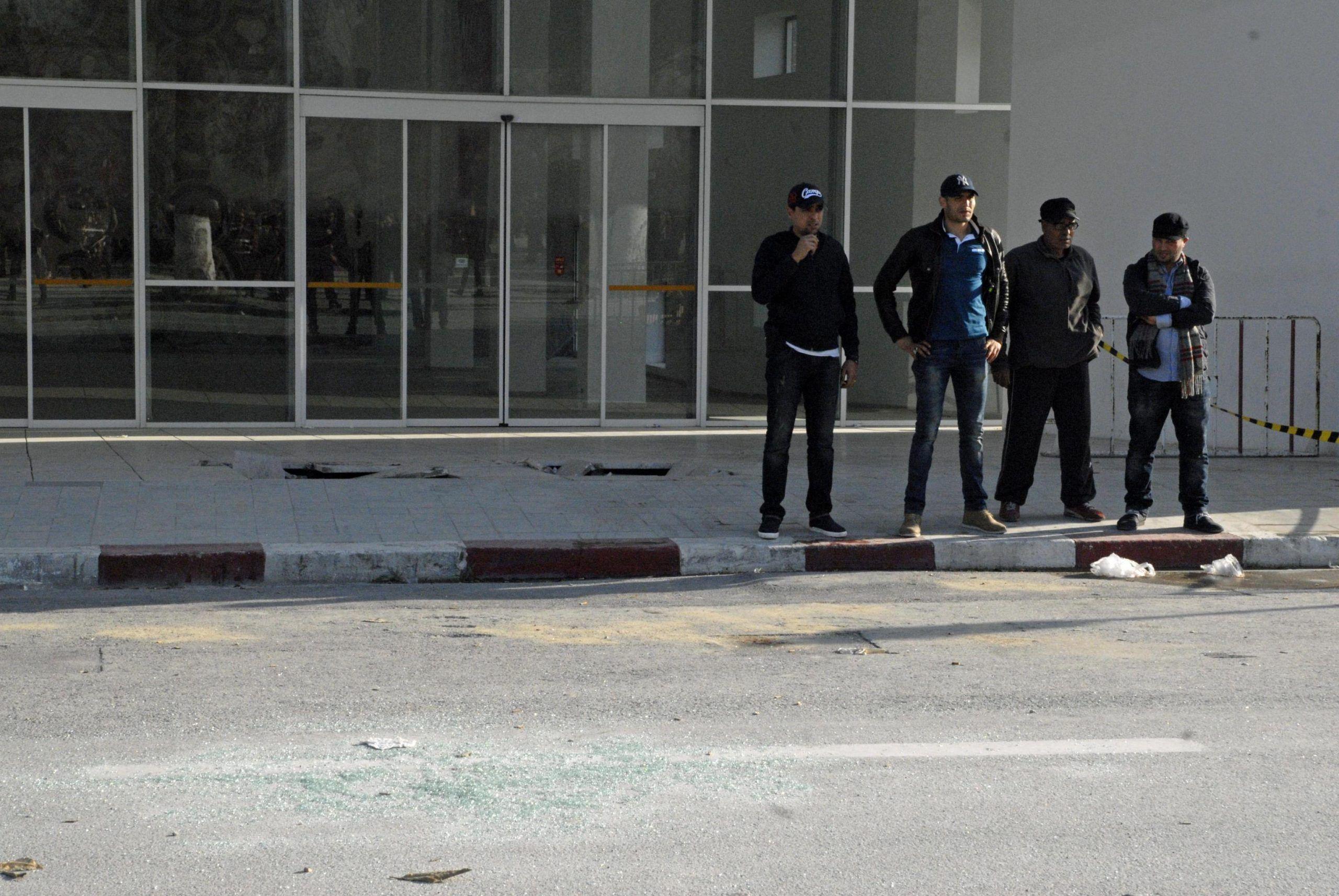 Tunisi:al via manifestazione contro terrorismo davanti museo
