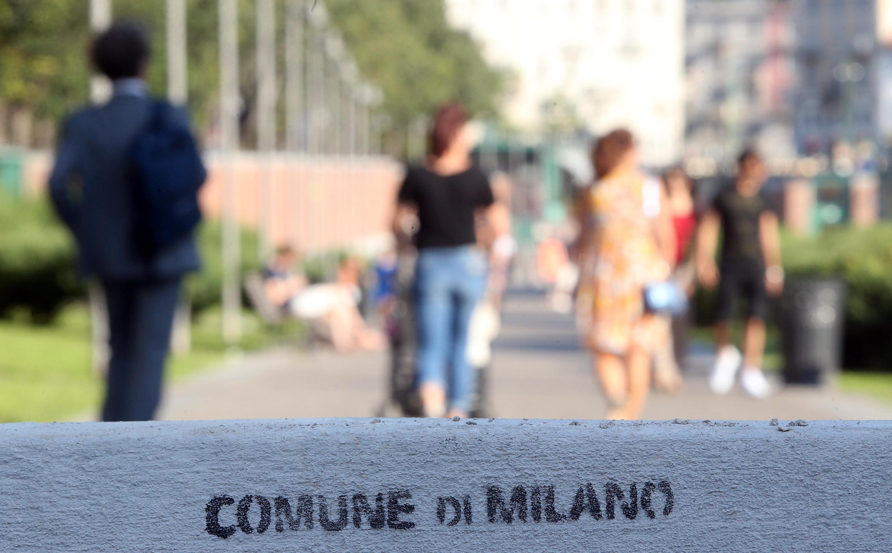 A Milano posizionati nuovi jersey in Darsena
