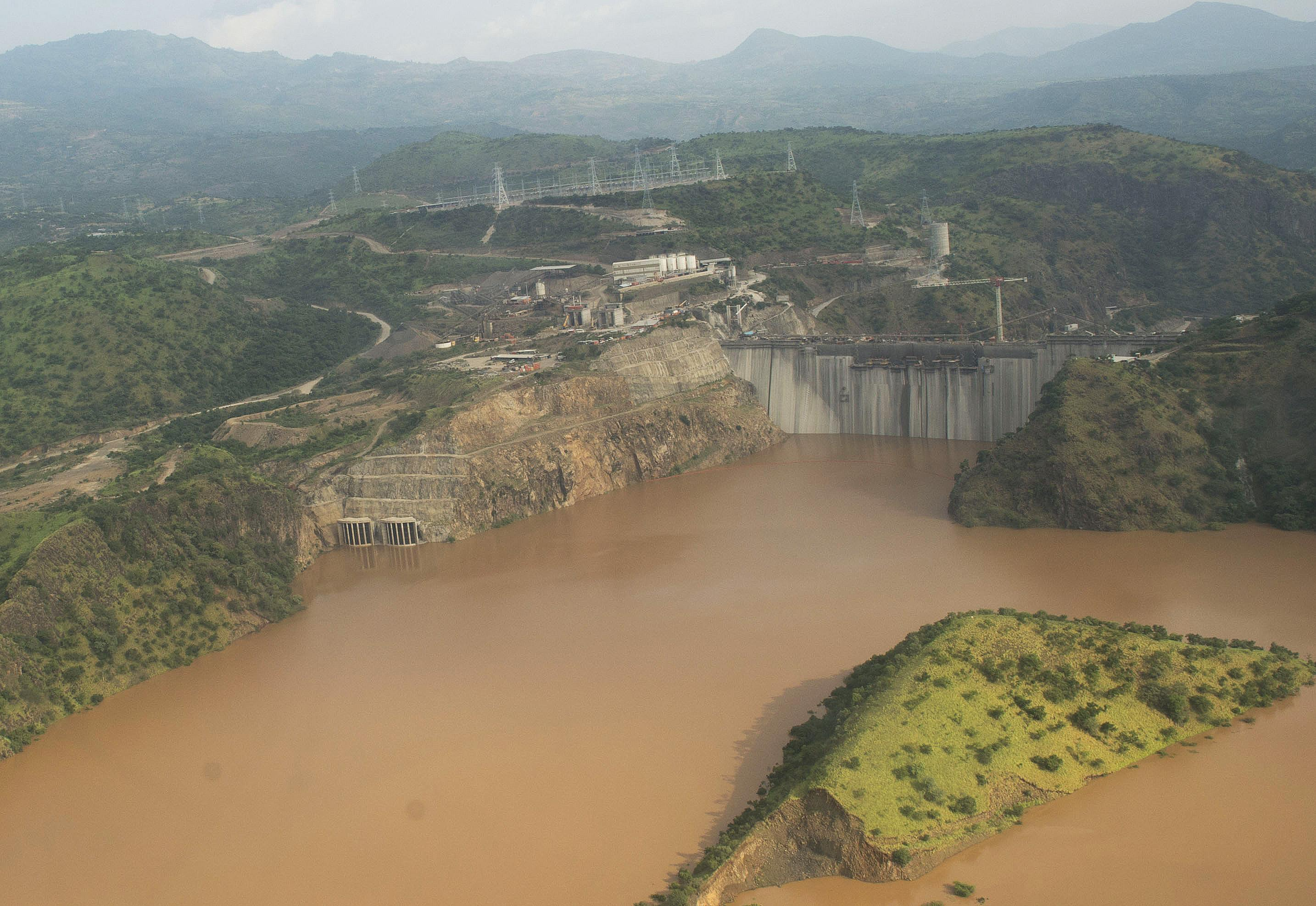 Renzi visita diga Salini Impregilo in Etiopia