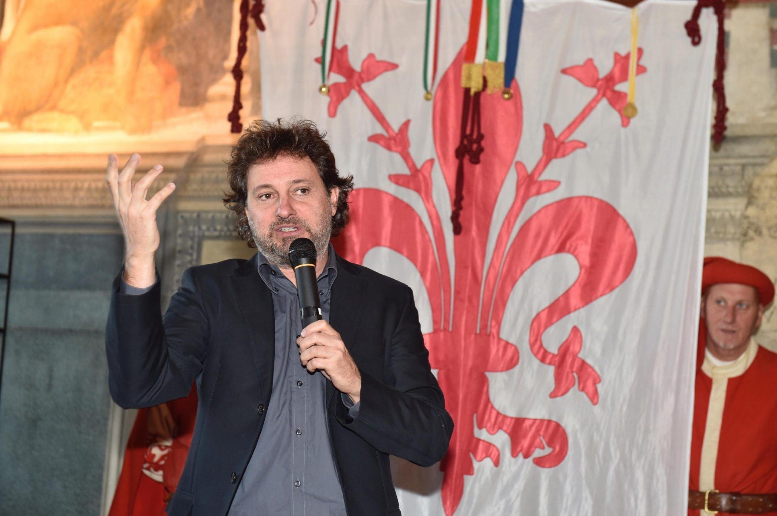 Leonardo Pieraccioni e l'educazione dei figli: 'Risdoganiamo il 'calcio nel c**o'!