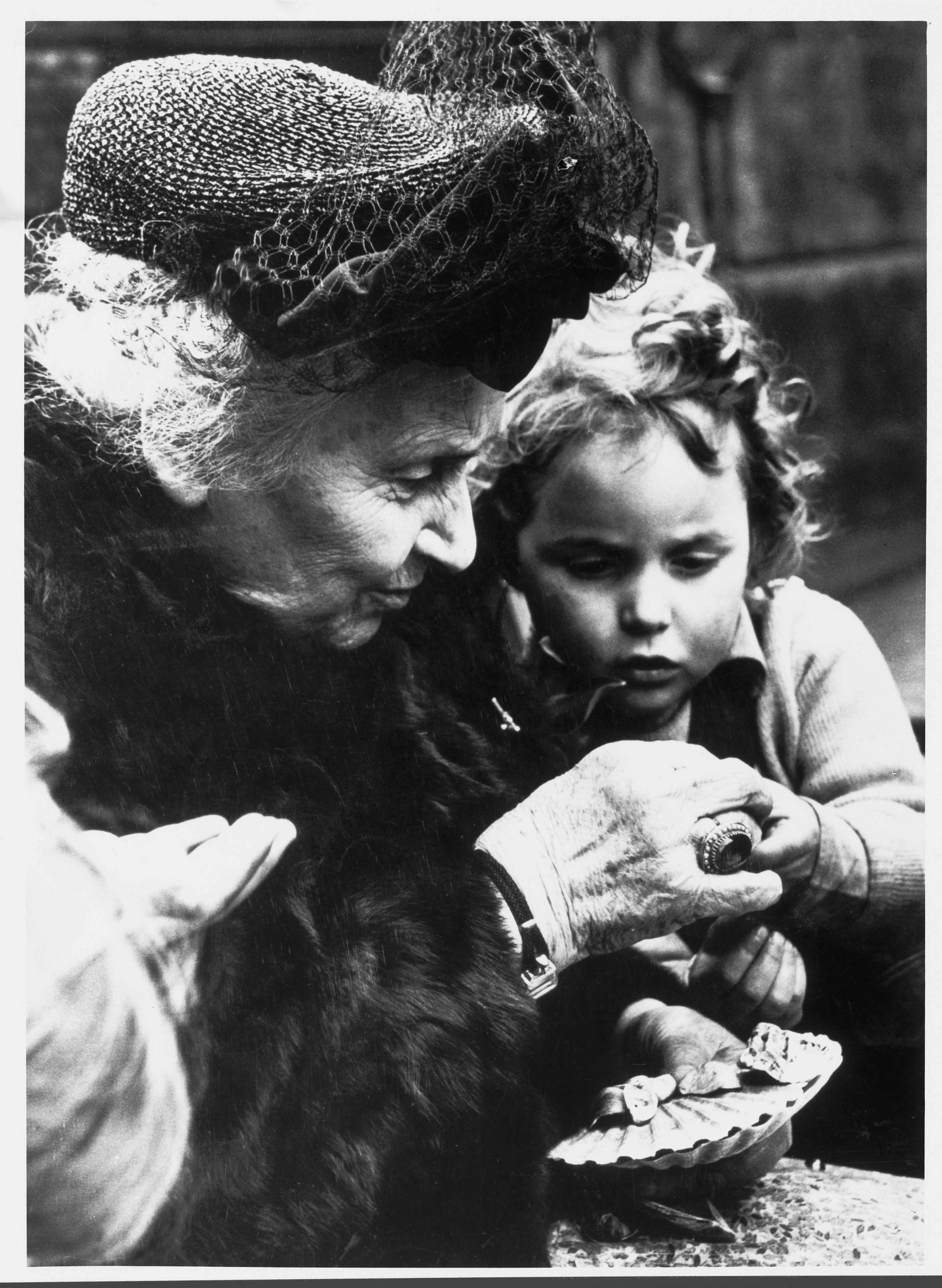 Maria Montessori, biografia breve e frasi celebri della famosa educatrice