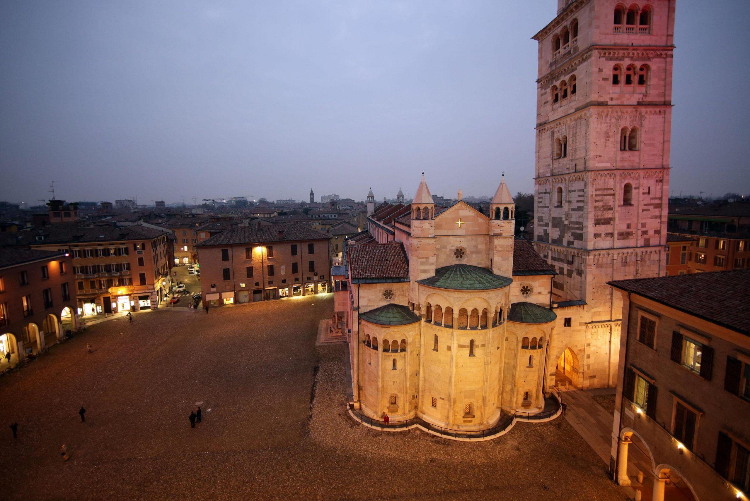 Duomo di Modena in piazza Grande