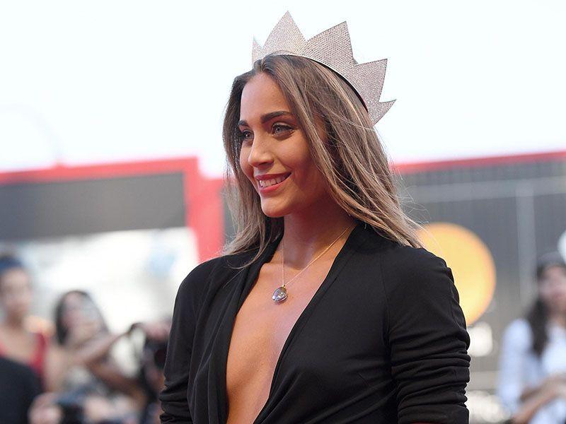 Rachele Risaliti a Venezia 2017: il vestito 'tradisce' Miss Italia sul red carpet