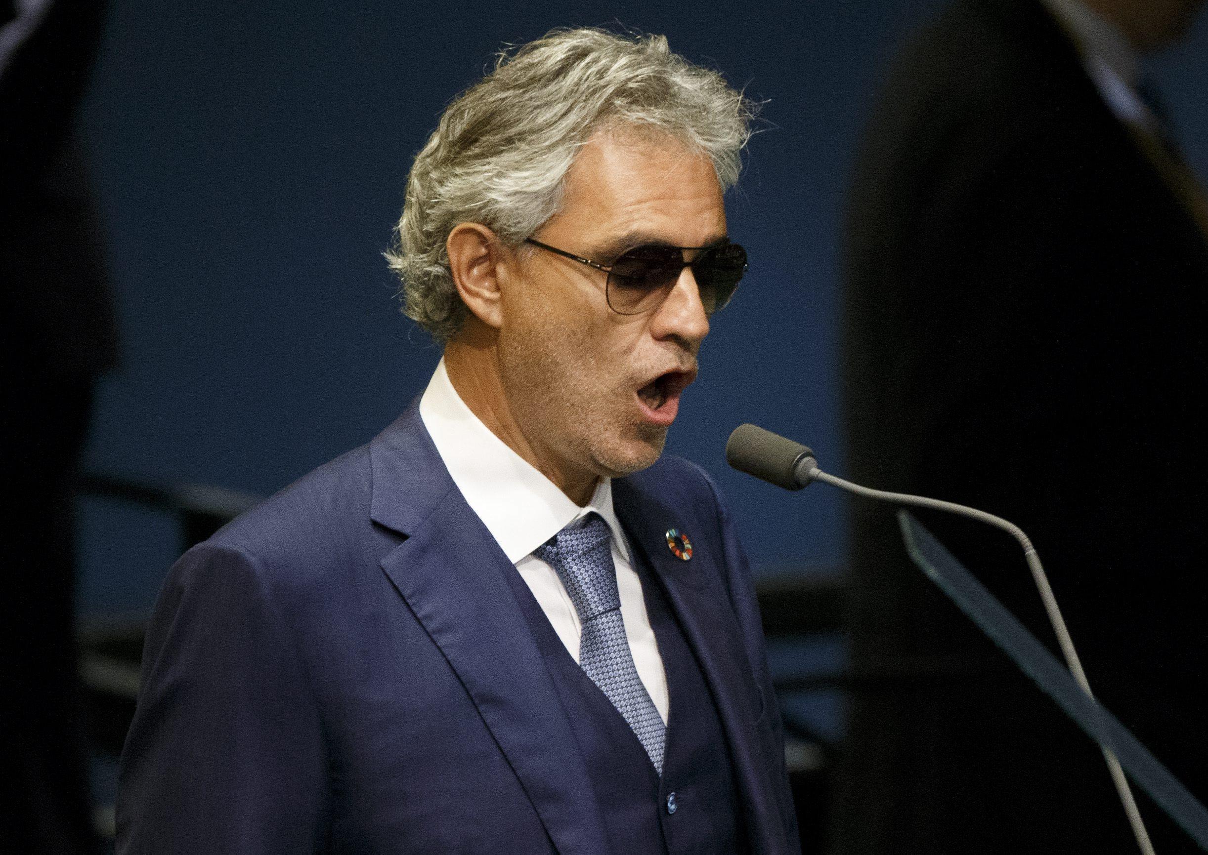 Andrea Bocelli in ospedale dopo una caduta da cavallo
