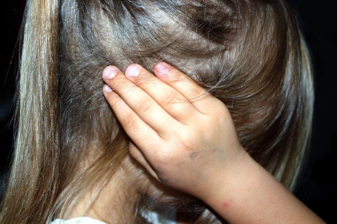 Bambina violentata